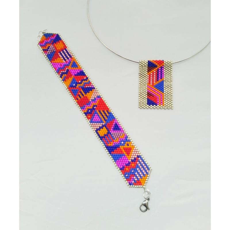Geometrikus nyakék karkötővel